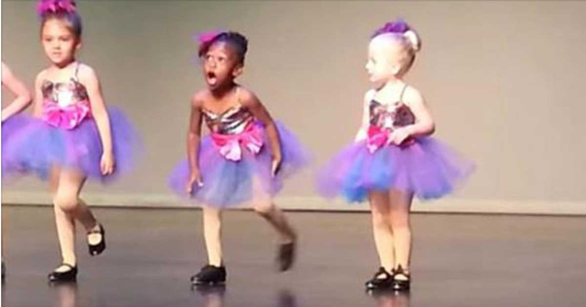 a 1 - Little Girl Spices Up Boring Dance Recital And It Is So Better Than The Planned One