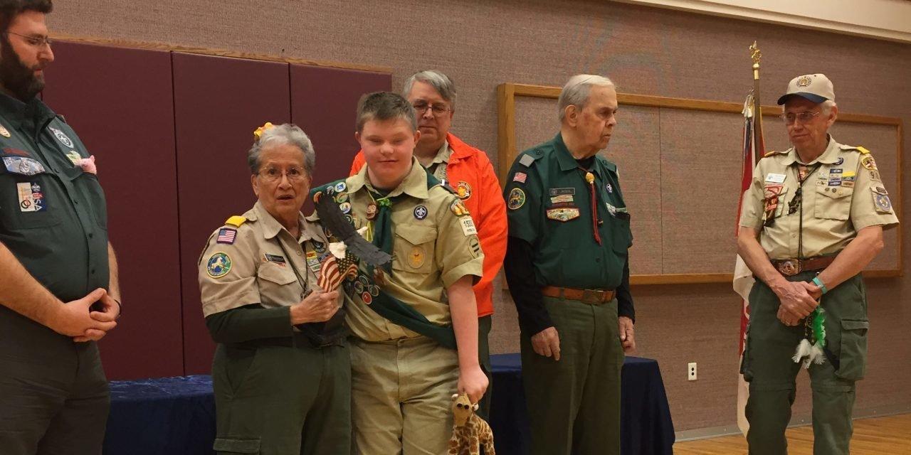 a.jpg?resize=1200,630 - Un jeune scout atteint de trisomie se voit rétrogradé, ses badges retirés.