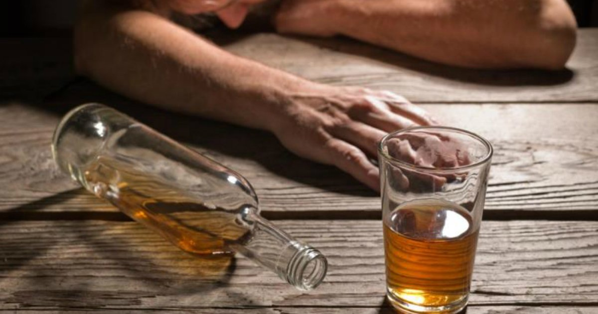 alcoholic 1 - 8 Warning Signs You Are A High-Functioning Alcoholic