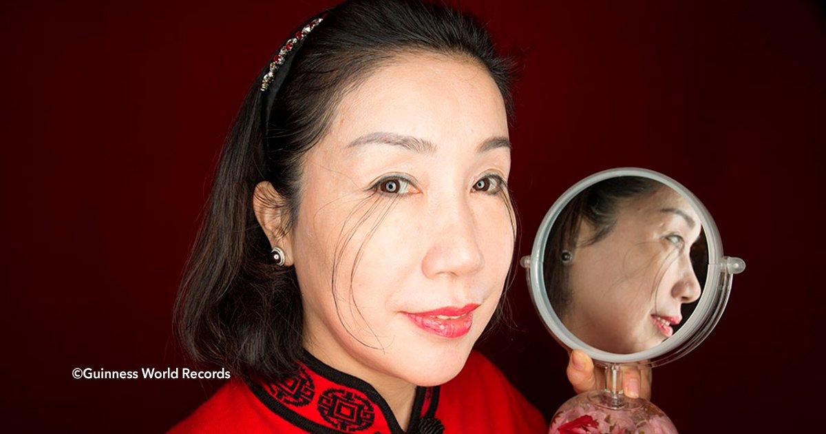 cover22cdh 1.jpg?resize=300,169 - Conoce a la mujer china que no le paran de crecer las pestañas y se convirtió en un récord mundial