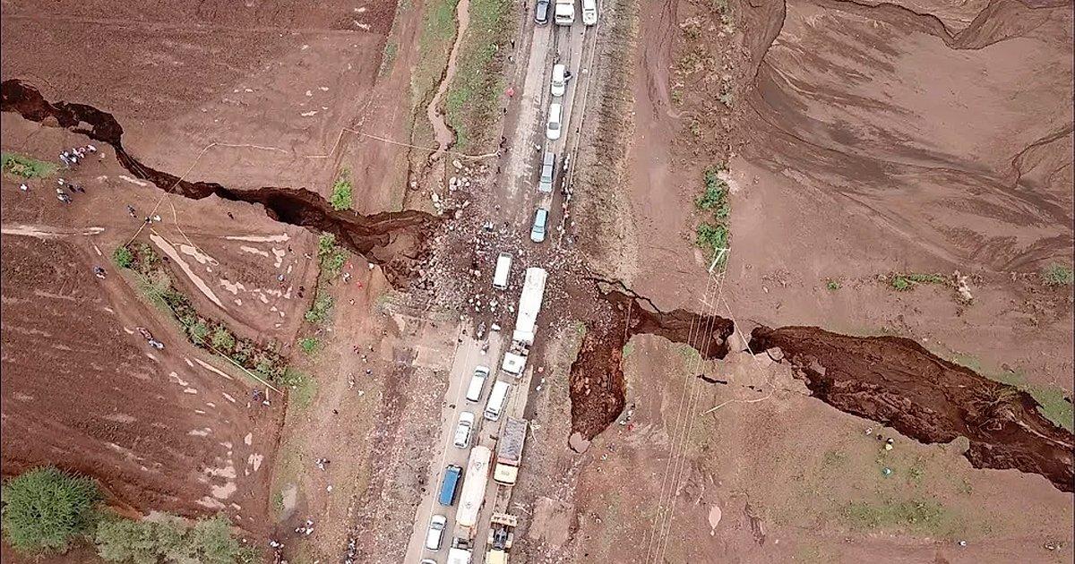 cover22gret.jpg?resize=1200,630 - Una enorme grieta pone en riesgo al continente africano de dividirse en dos partes