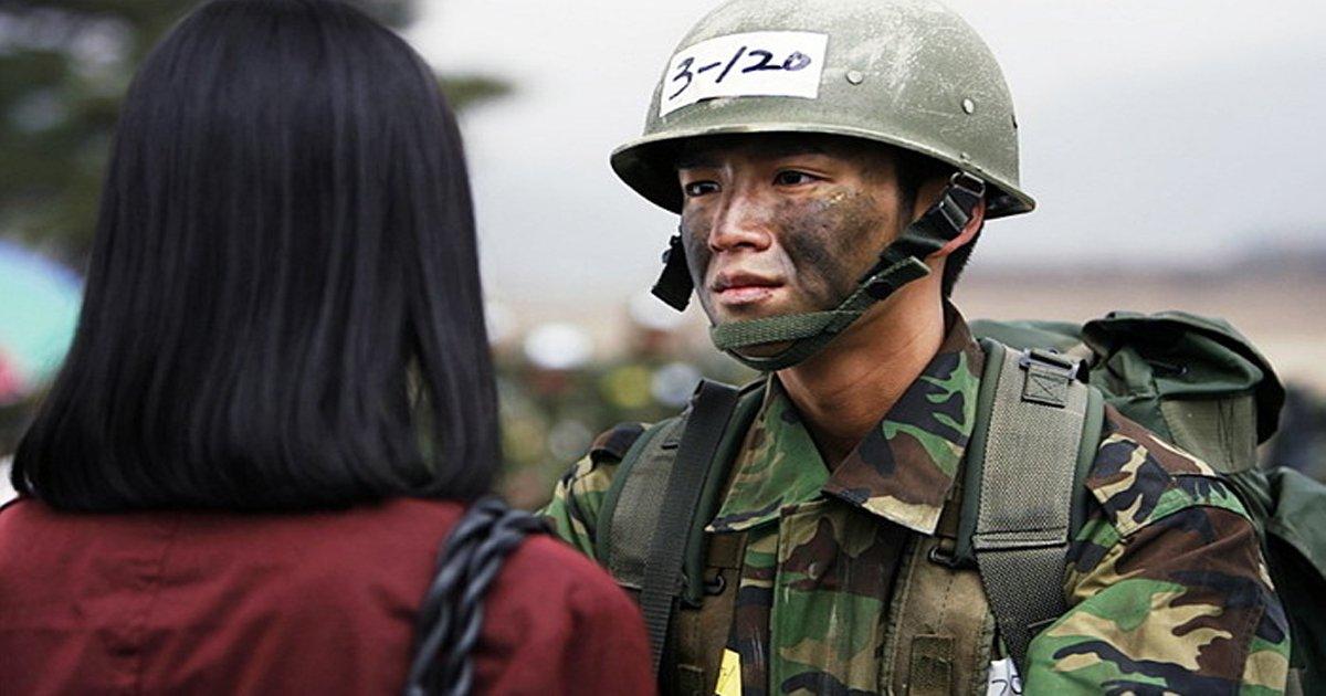 eab5b0eb8c80.jpg?resize=648,365 - 군인 남자친구와 연애하는 '고무신' 생활에서 가장 서러운 5가지