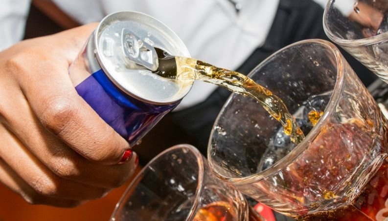 energetico bebida drink alcool 0218 400x800