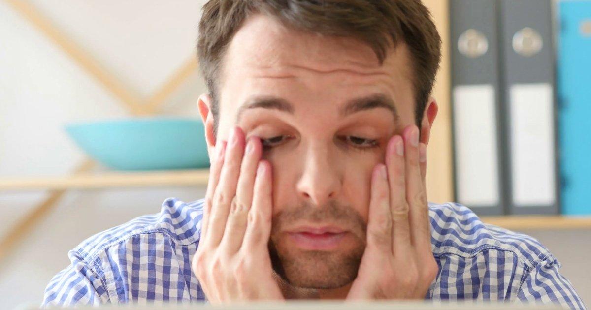 eyes rub.jpg?resize=300,169 - 5 tipos de problemas oculares de acordo com a secreção dos olhos
