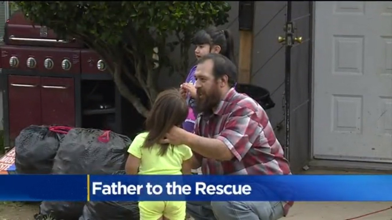 father-rescues-little-girl-1