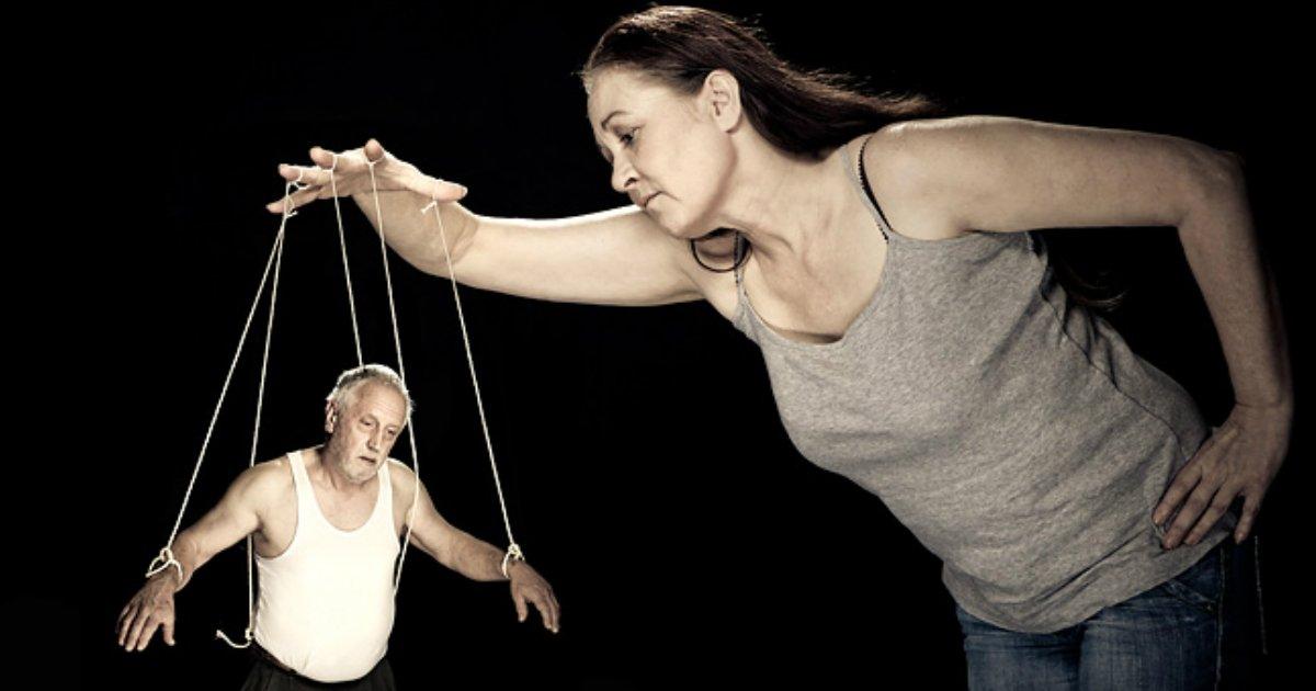 female abuse.jpg?resize=412,232 - Les hommes partagent en ligne la façon dont les femmes les maltraitent