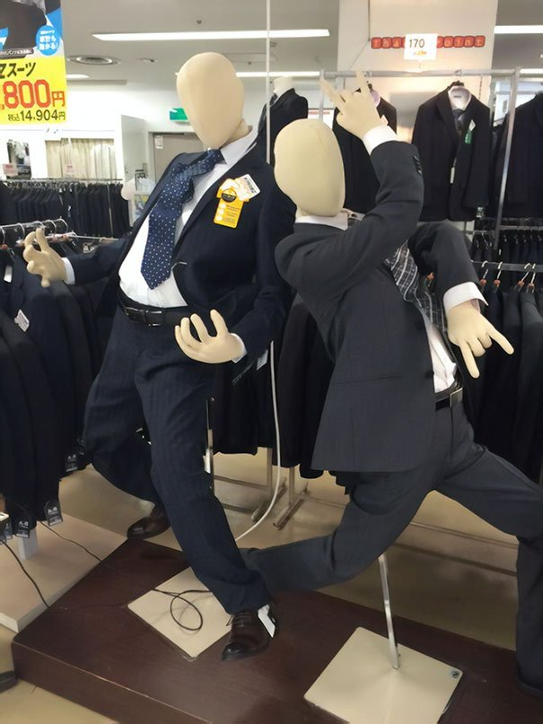 funny-mannequins-3