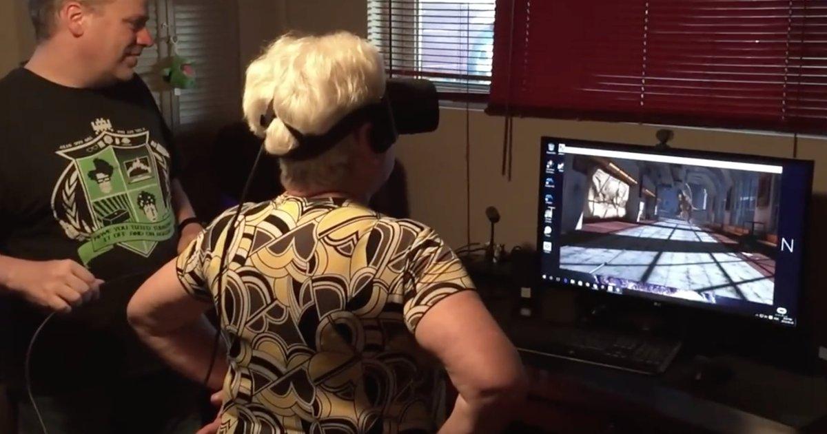 grandma tn.png?resize=1200,630 - Cette grand-mère essaye l'Oculus Rift pour la première fois et sa réaction est surprenante!