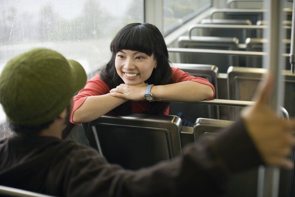 shutterstock 95997617.jpg?resize=300,169 - Pessoas que são mais felizes conversam com estranhos no transporte público