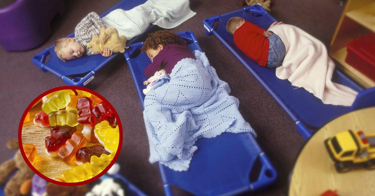 sleepinggummies.jpg?resize=1200,630 - Tres trabajadoras de guardería fueron arrestadas después de darles gomitas de melatonina a niños antes de la hora de la siesta