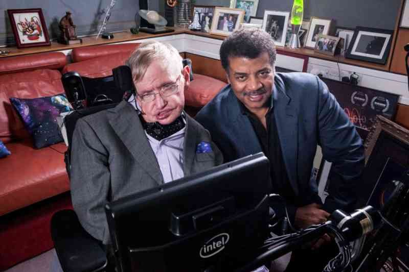 stephen-hawking-adverte-humanidade-2