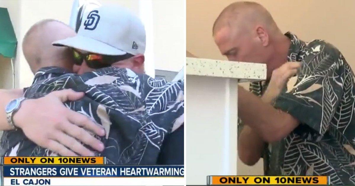 stranger 1.jpg?resize=412,232 - Un vétéran de l'armée de l'air souffre d'un cancer en phase terminale - Un homme frappe à la porte et le vétéran tombe à genoux. Découvrez pourquoi.