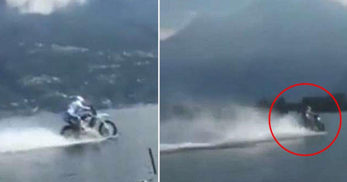 untitled 1 177.jpg?resize=412,232 - Un motocycliste stupéfait tout le monde en conduisant sa moto sur un lac