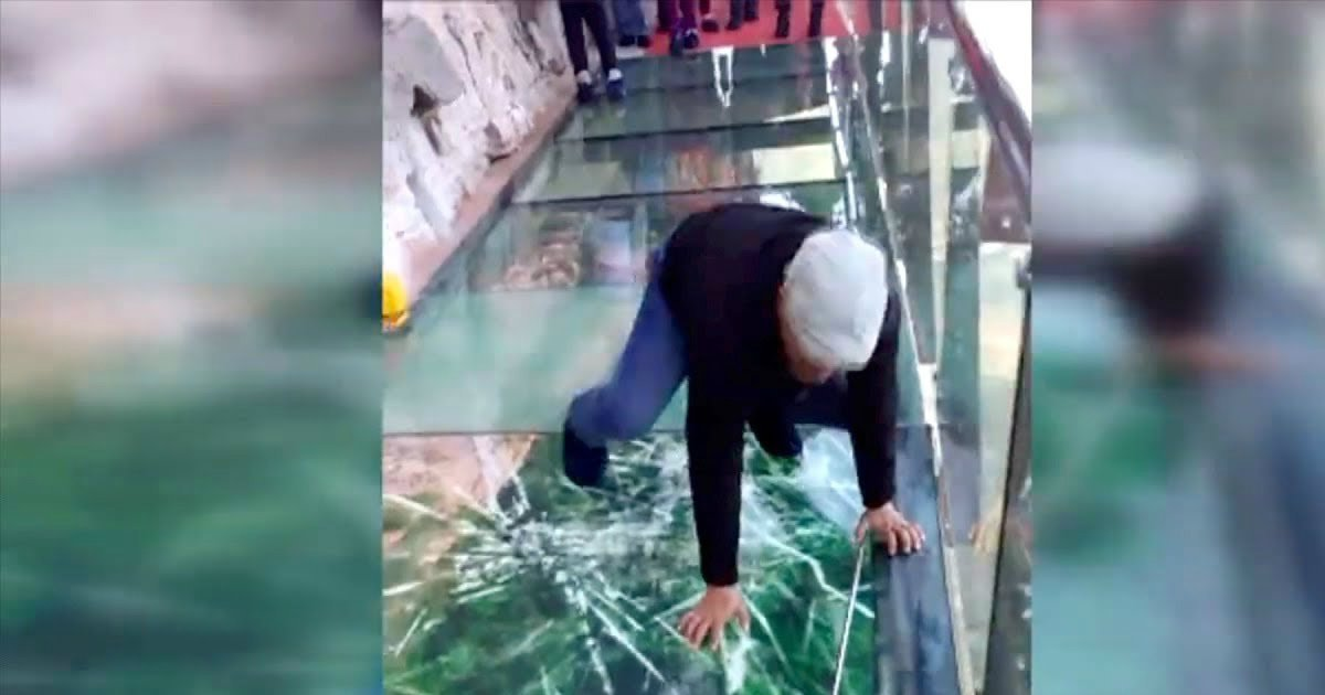 """untitled 1 18.jpg?resize=412,232 - This """"Cracking"""" Glass Bridge In China Will Test How Much You Really Fear Heights"""