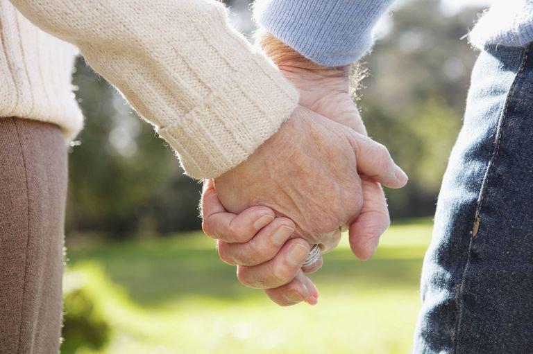 おじいちゃん おばあちゃん 手에 대한 이미지 검색결과