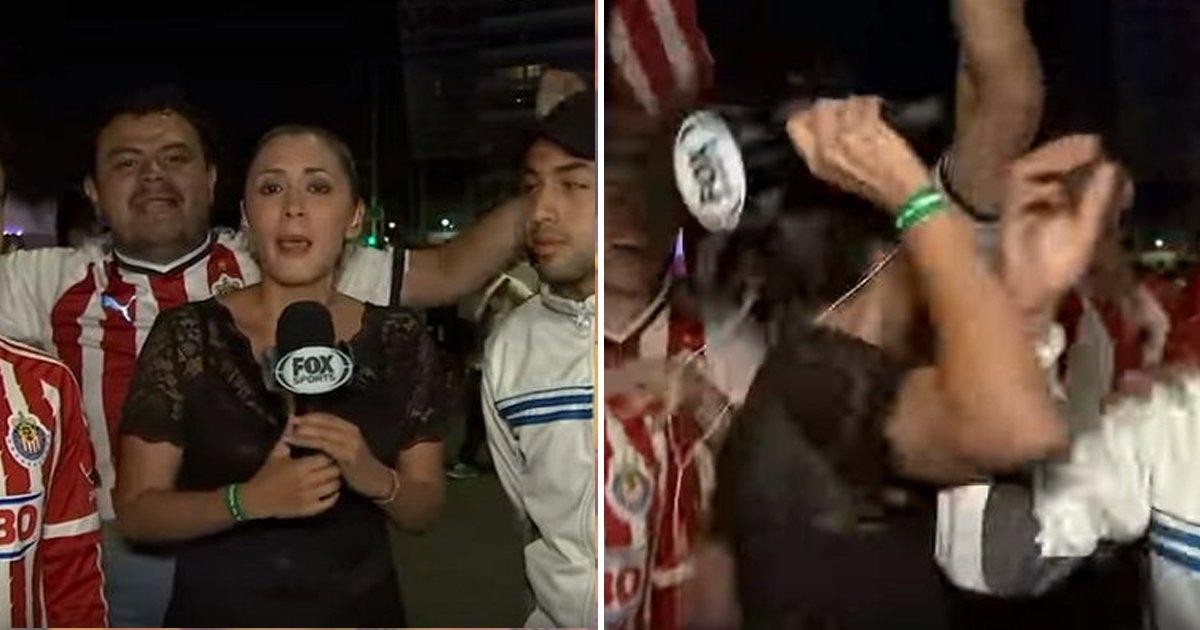 8 47.jpg?resize=1200,630 - Repórter joga microfone um homem que a assedia durante transmissão ao vivo