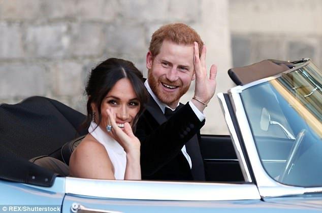 Meghan Markle, juntamente com sua aparência impecável e maneiras compostas, mais uma vez provou que ela era a parceira perfeita com um simples gesto em sua festa de casamento