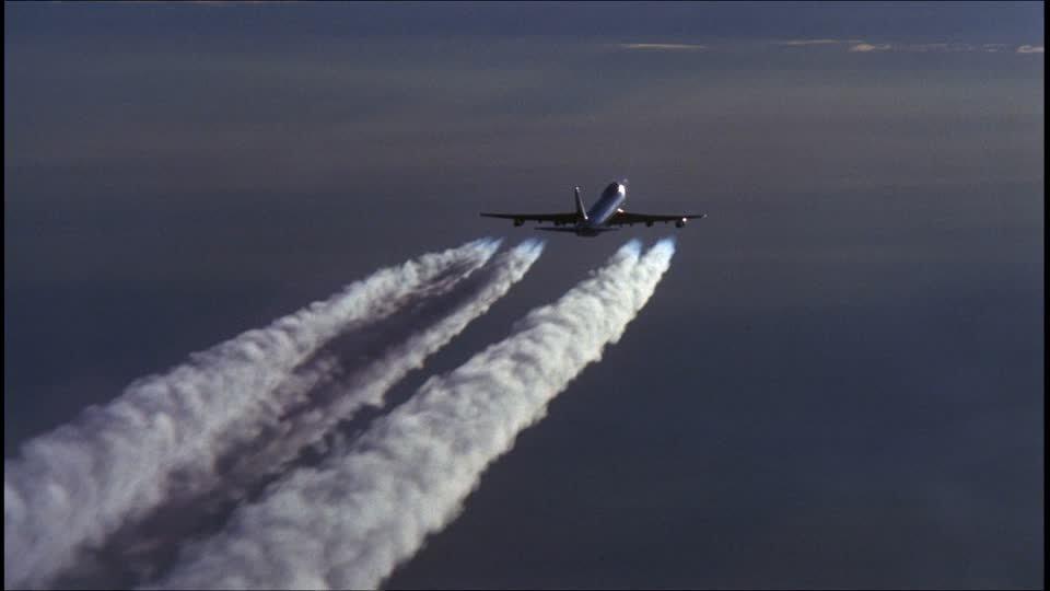 「飛行機 乱気流」の画像検索結果