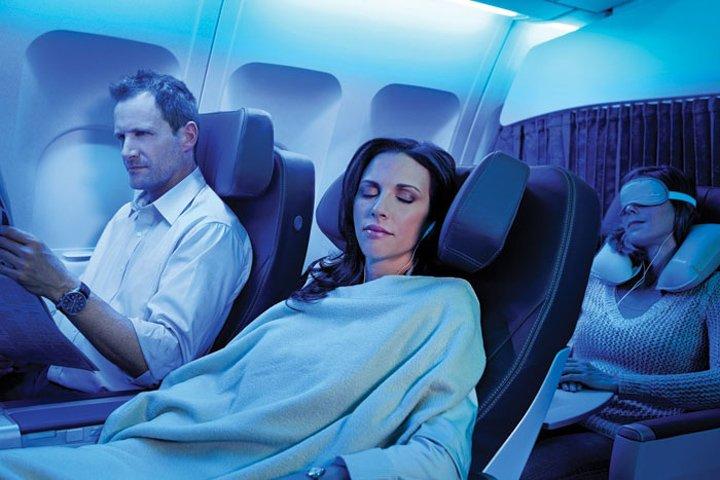 「飛行機 睡眠」の画像検索結果