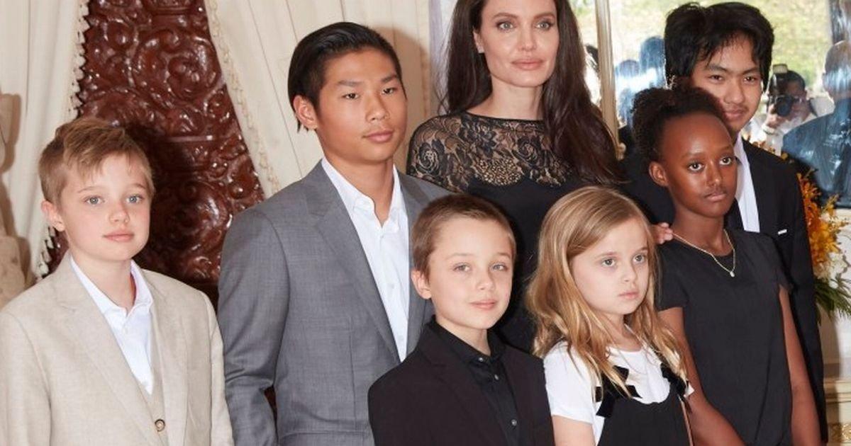 angelina jolie and kids.jpg?resize=1200,630 - 10 celebridades que têm muitos filhos