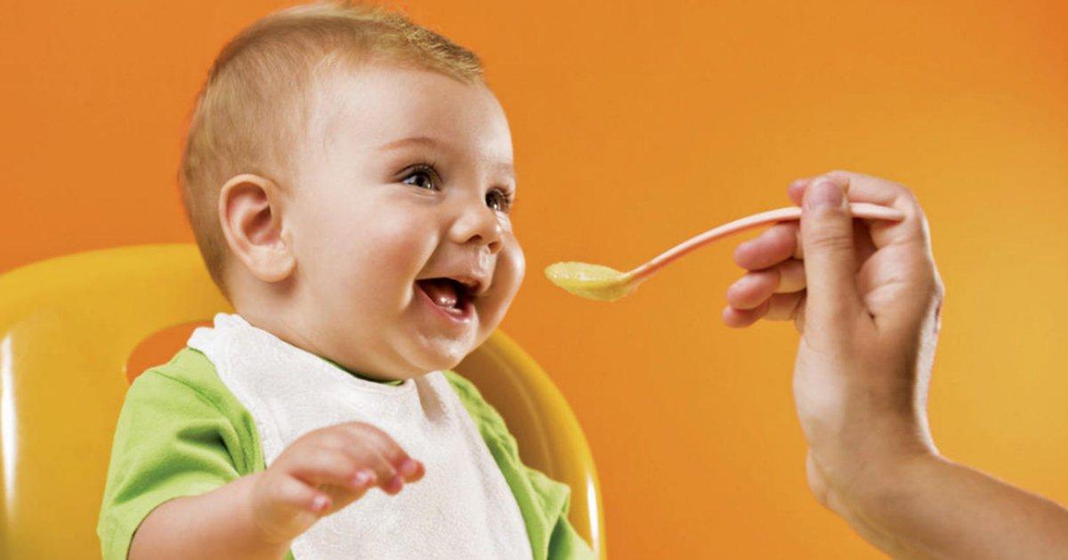 babyfood12.png?resize=1200,630 - Amassada e não batida! Nutróloga fala como a papinha do bebê deve ser