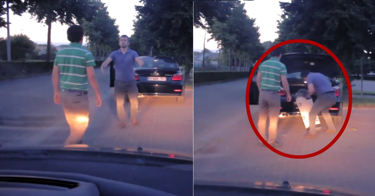 road rage solved.jpg?resize=412,232 - Road Rage Forces Drivers To Pull Over, But Shake Hands After One Driver Opens Trunk