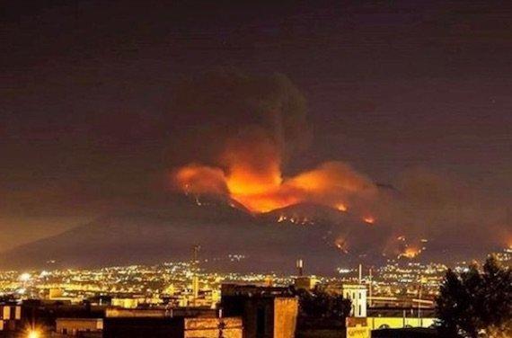 ヴェスヴィオ火山の噴火에 대한 이미지 검색결과
