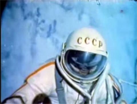 宇宙遊泳 アレクセイ・レオーノフ에 대한 이미지 검색결과