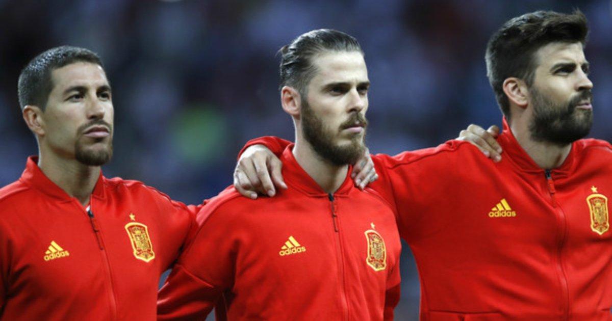 4 190.jpg?resize=300,169 - '국가' 나오는 동안 입 꾹 닫은 스페인 선수들의 사연
