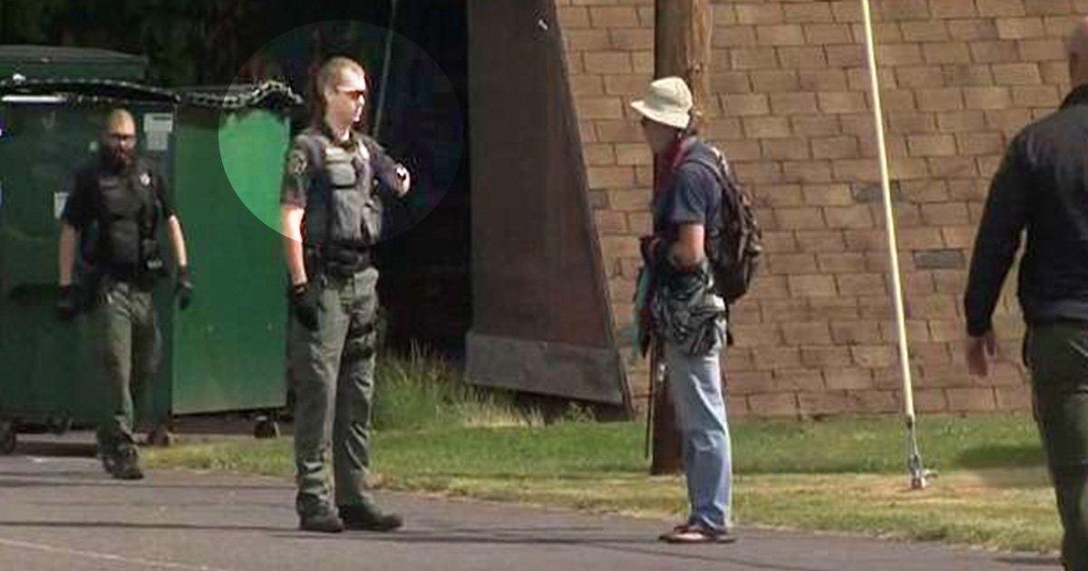 5ec8db8eb84ac.jpg?resize=1200,630 - Police Officer Filmed Repeatedly Punching Homeless Man