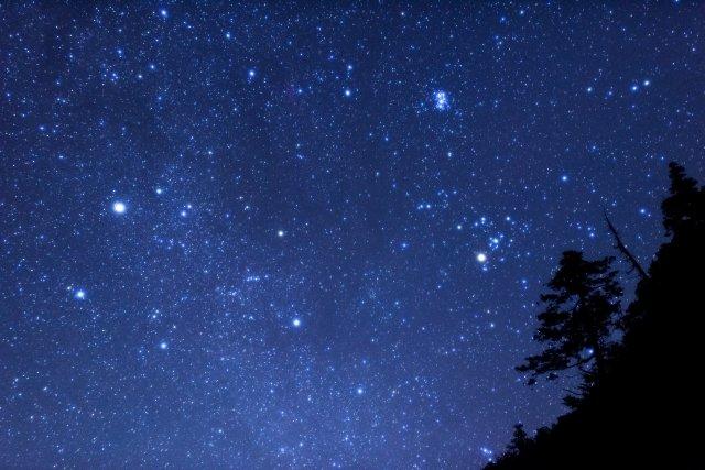 「明るい月の夜空を見る夢」の画像検索結果