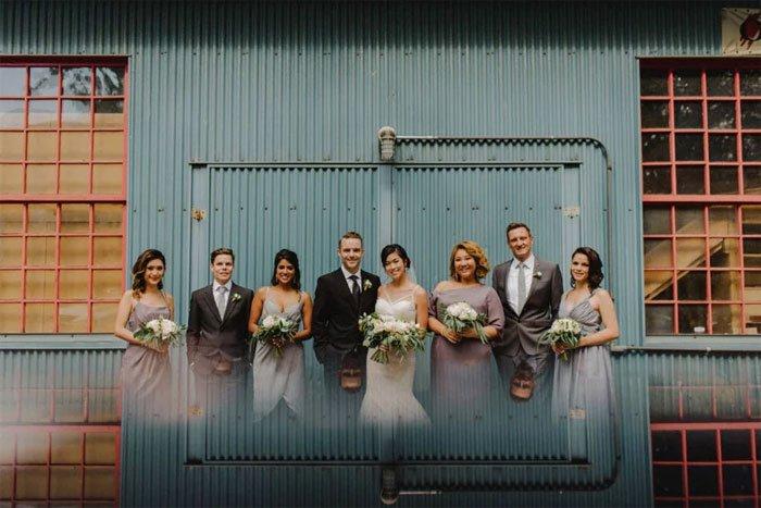 Phone-screen-reflection-trick-wedding-photography-mathias-fast-37
