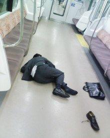 「倒れた人」の画像検索結果
