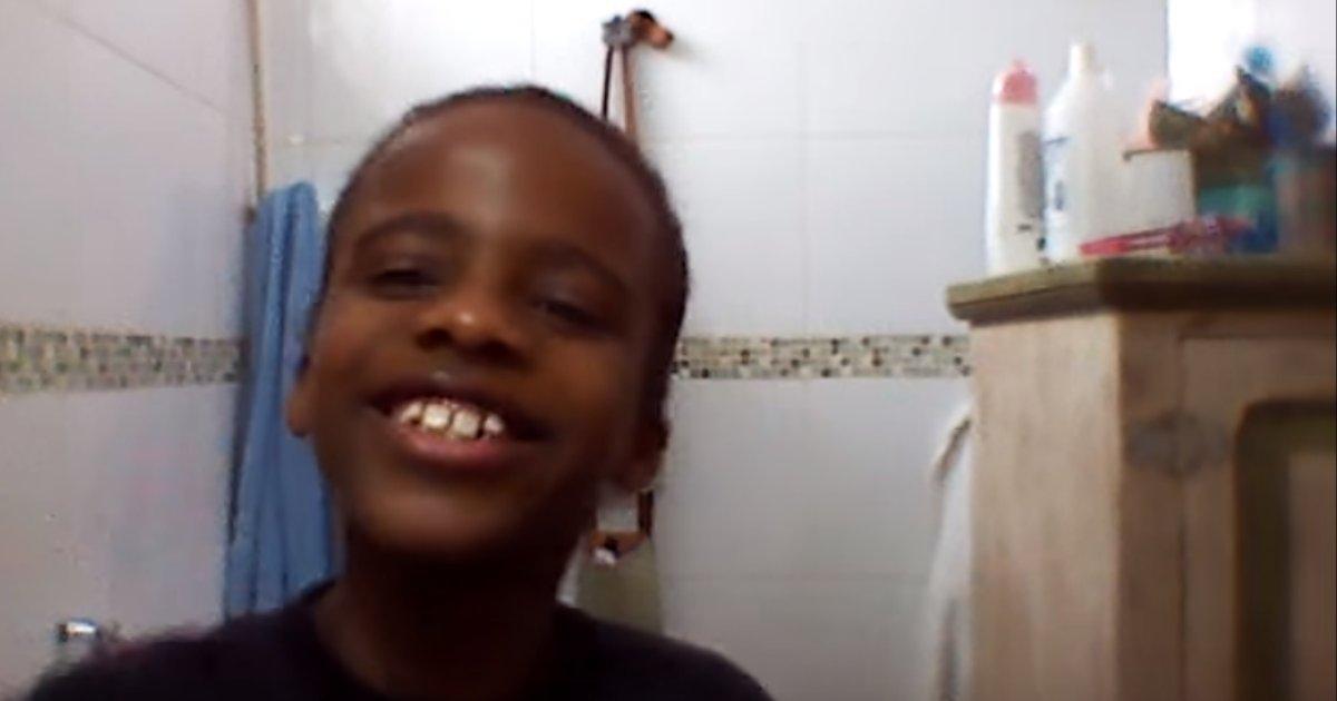 anaclarathumb.png?resize=1200,630 - Após ataques racistas, youtuber de 11 anos vira rosto de marca de beleza