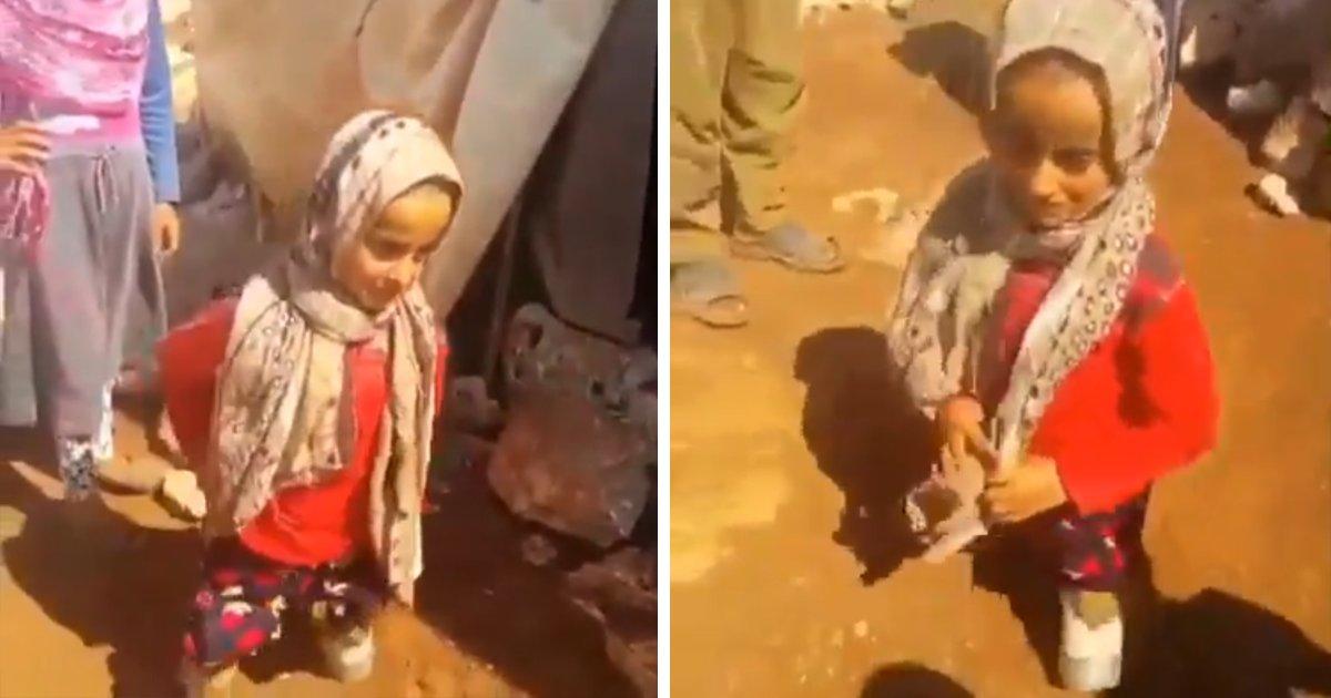 capa00dg.png?resize=1200,630 - Garota da Síria nasceu sem as pernas e usa latinhas como próteses já que sua família não tem dinheiro