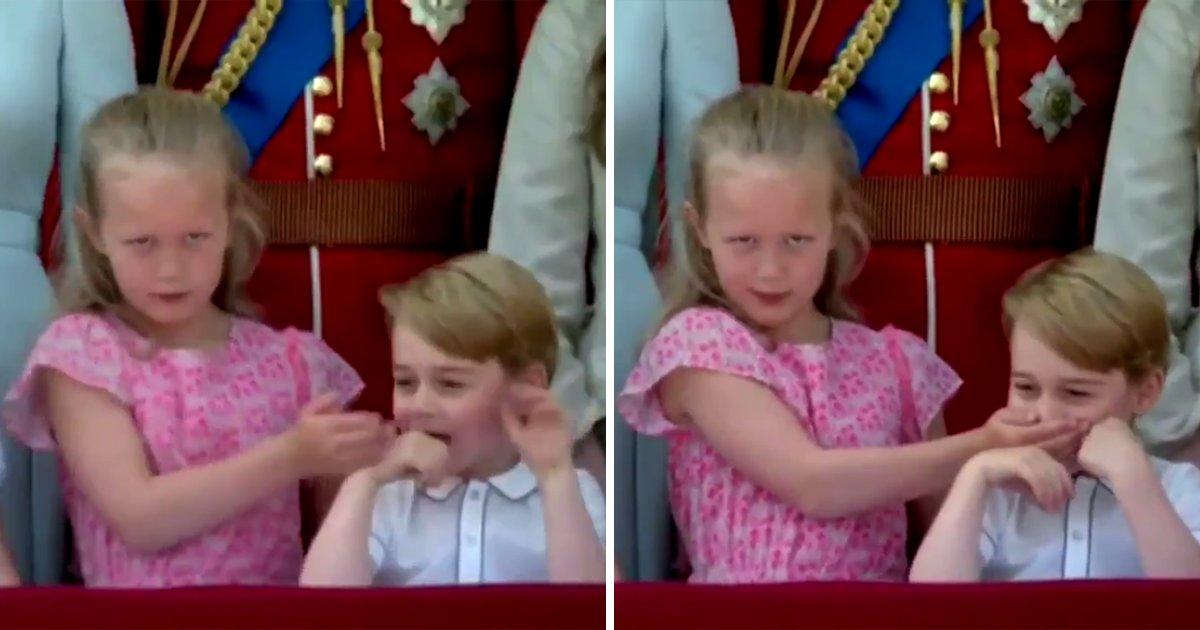 capa7.png?resize=300,169 - Príncipe George e sua prima, Savannah Phillips, protagonizam momento hilário na varanda do Palácio de Buckingham