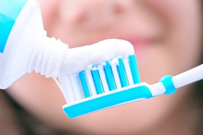 「歯磨き 歯ブラシ」の画像検索結果