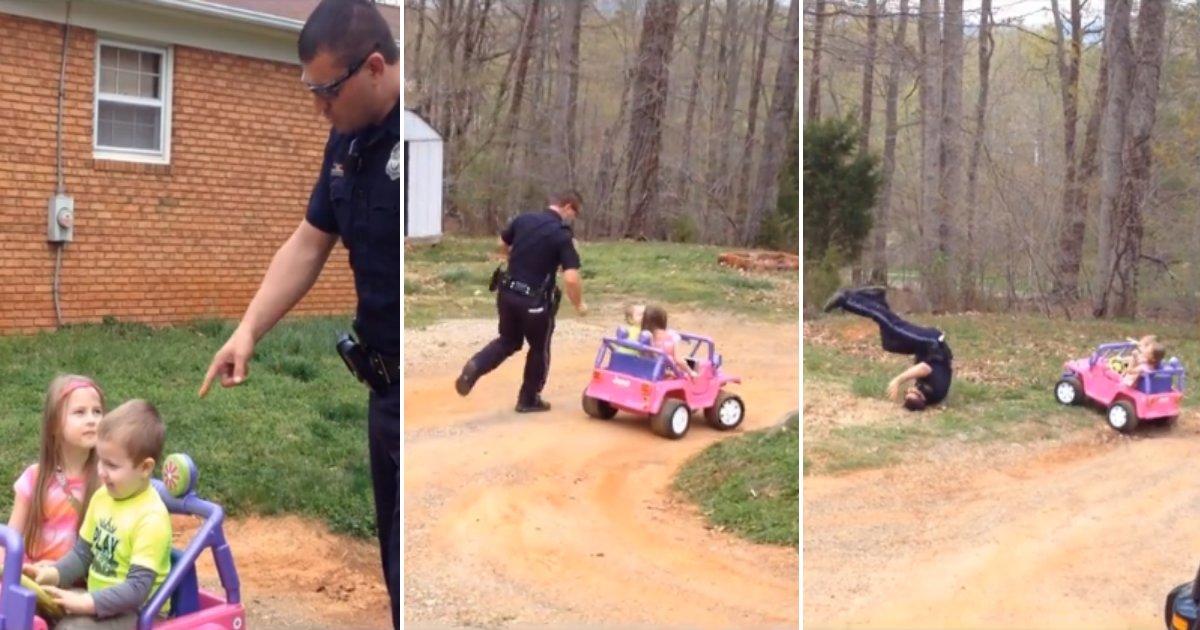 copdad.png?resize=412,232 - Filmagem mostra momento adorável em que pai policial para seus filhos no carro de brinquedo e exige licença de condução deles