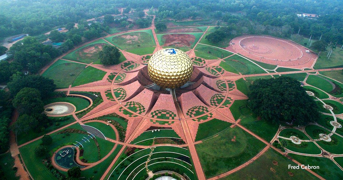 """cver.png?resize=300,169 - Viven sin política, religión, dinero, ni policías, es una ciudad autosustentable llamada """"Auroville"""""""