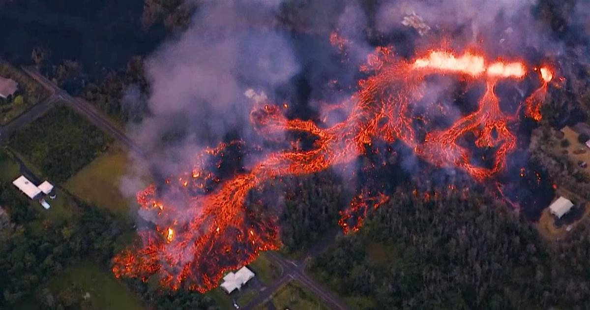 ed9598ec9980ec9db4 1.jpg?resize=1200,630 - Hawaii Continues To Be Covered In Devastating Molten Lava Flow