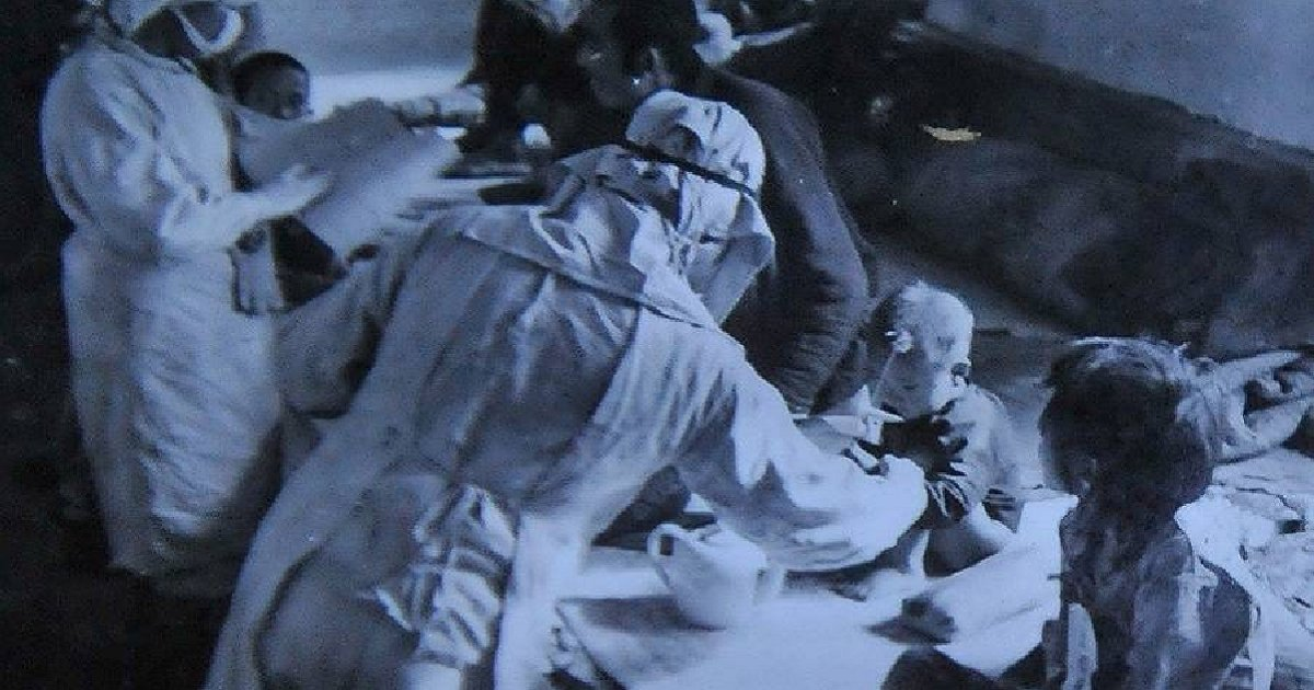 """img 5b180046f258e.png?resize=300,169 - """"불판에 엄마와 아기 넣고 관찰""""…충격적인 일본 '마루타' 부대의 생체 실험"""