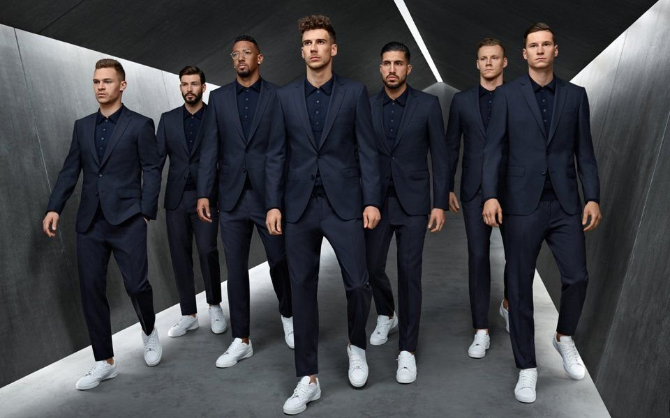 img 5b22c12d0cac4.png?resize=412,232 - 德國足球隊「西裝配白鞋」 瞬間變超級男模團