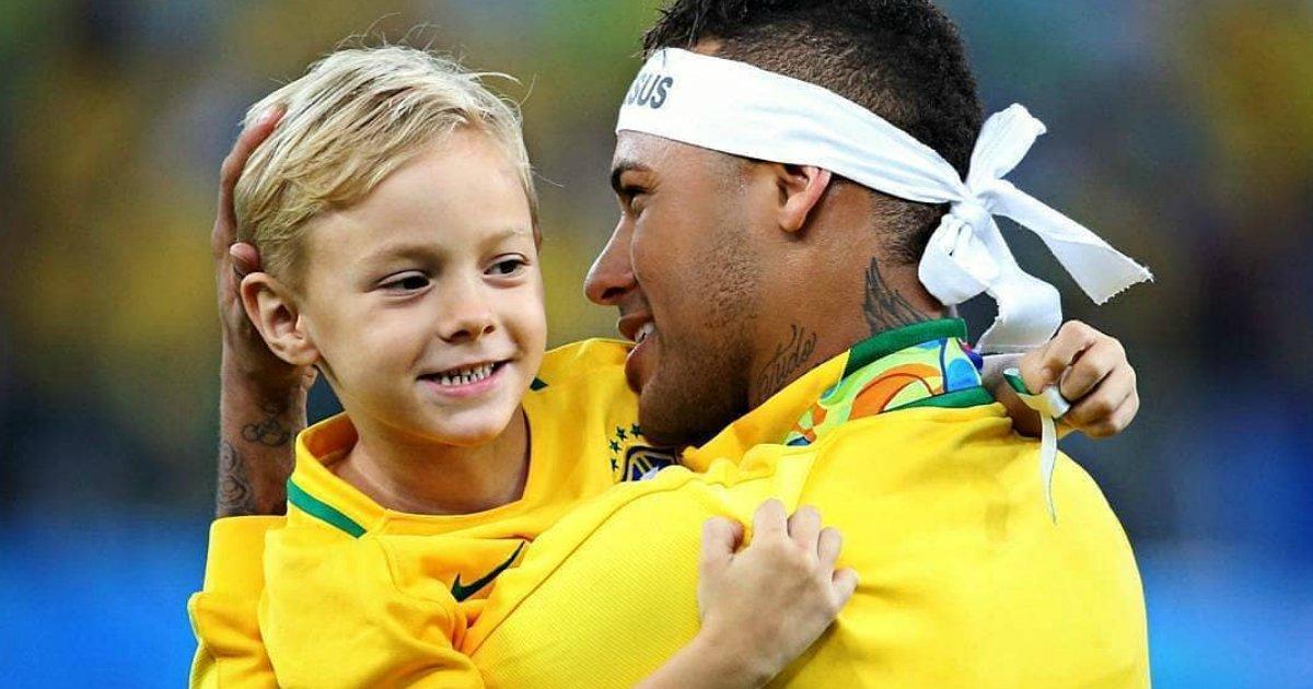 neymar davi.png?resize=300,169 - Neymar mostra torcida do filho para jogo na Copa