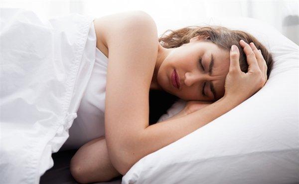 「ビクッ 寝てるとき」の画像検索結果