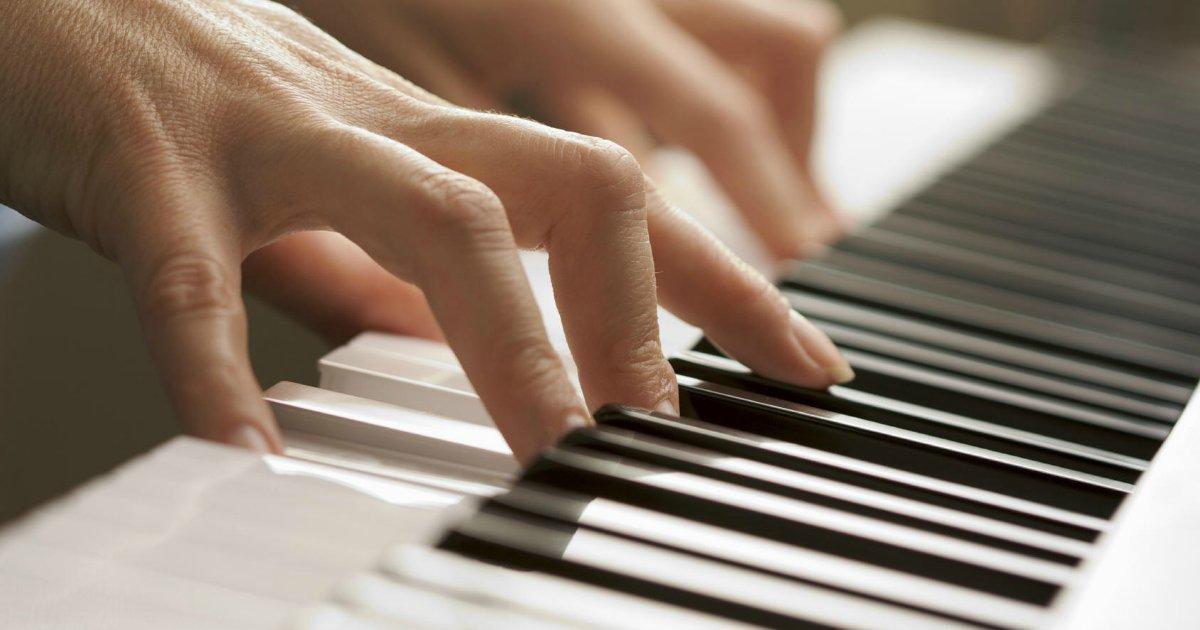 piano1.png?resize=300,169 - Vídeo incrível de instaladores tocando piano para cliente viraliza