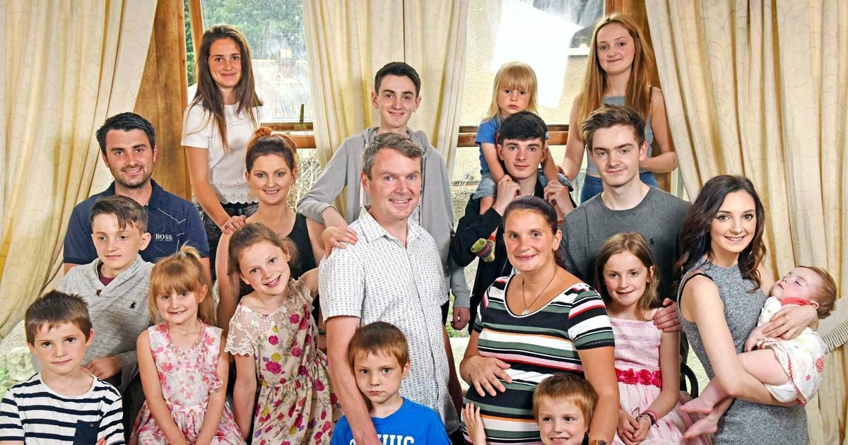 radfords.jpg?resize=412,232 - Here's Britain's Biggest Family - 20 Children, 63 Pairs Of Shoes, 91,000 Diapers