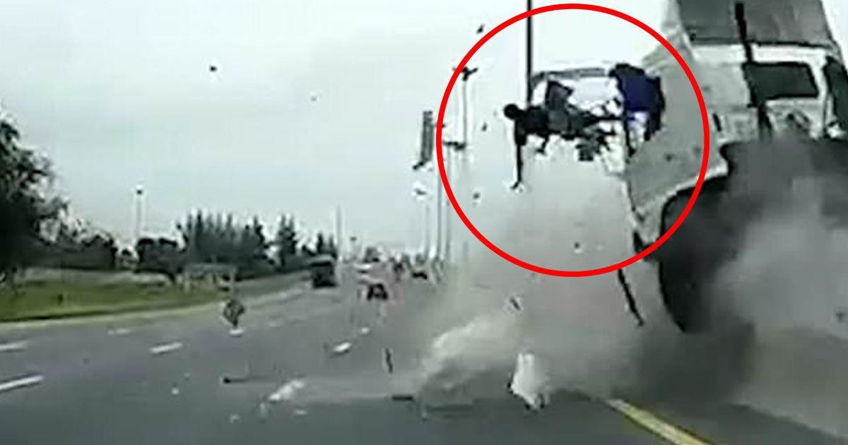 untitled 1 77.jpg?resize=648,365 - Dashcam Footage Shows A Driver Losing Control Of The Vehicle And Swerving Across Four Lanes