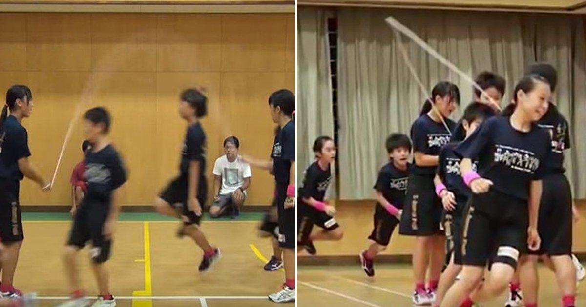 0717 thumb 4.jpg?resize=300,169 - '1분에 무려 230개'... 줄넘기로 기네스 '기록 세운' 일본의 초등학생들 (영상)