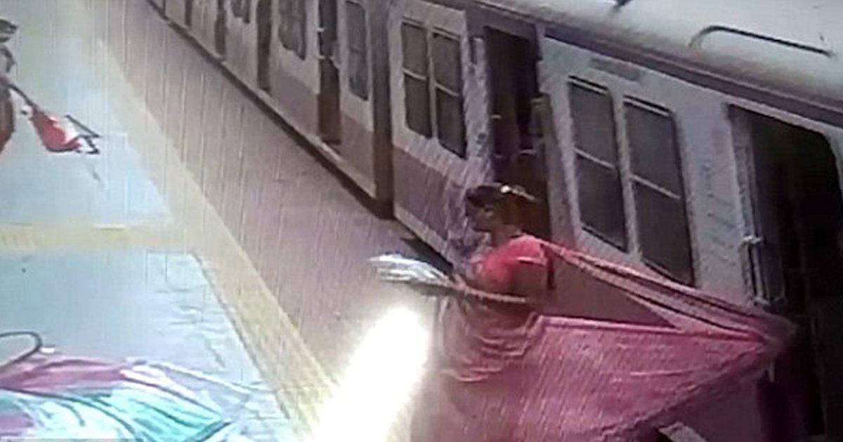 7 108.jpg?resize=300,169 - 여성의 옷이 문에 끼었지만 '그대로' 출발해 버린 기차 (영상)