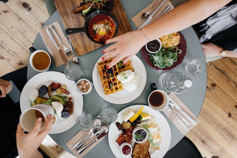 아침 식사, 음식, 먹기, 식사, 아침, 레스토랑, 테이블, 번호판, 와플, 맛좋은, 맛 있는